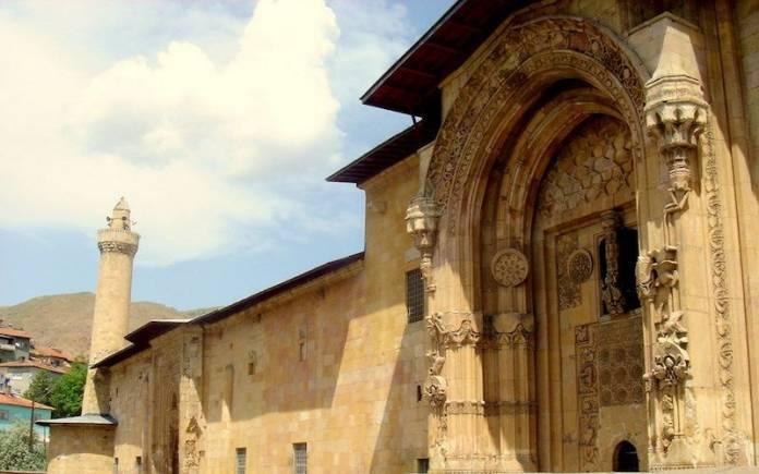 great-mosque-and-hospital-of-divrigi